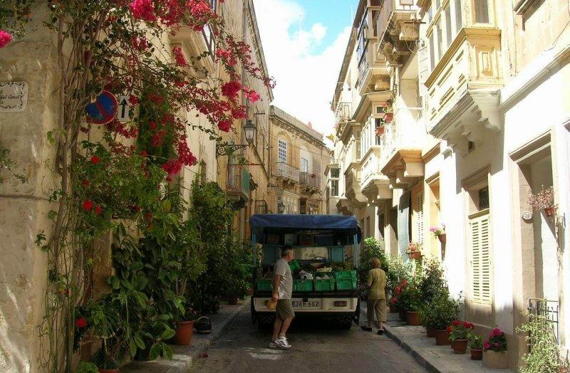 Mosta-Alleys