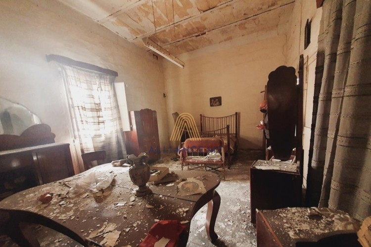 8 Bedroom House of Character For Sale