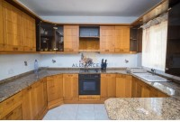 2 Bedroom Maisonette For Sale
