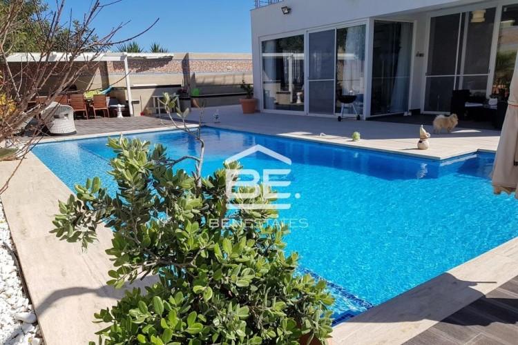 5 Bedroom Semi-Detached Villa For Sale