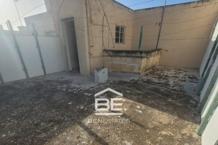 4 Bedroom Town House For Sale