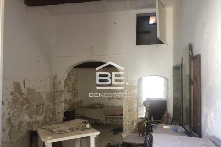 1 Bedroom House of Character For Sale