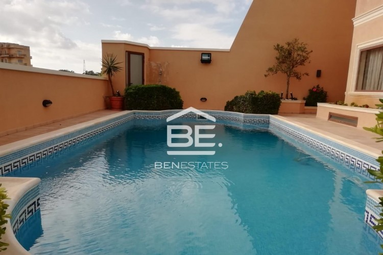 4 Bedroom Semi-Detached Villa For Sale