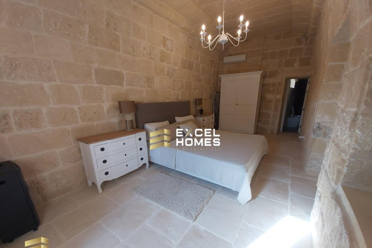 5 Bedroom Farm House For Sale