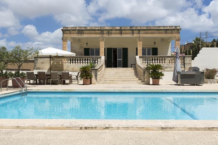 7 Bedroom Villa To Rent