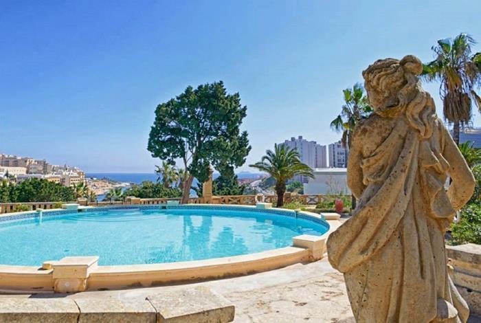 6 Bedroom Palazzo To Rent