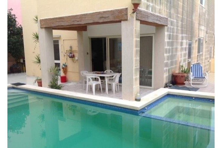 4 Bedroom Villa For Sale