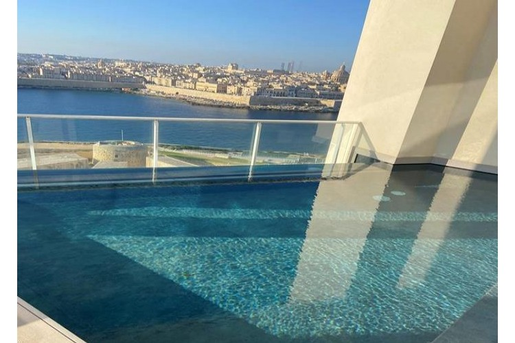 3 Bedroom Penthouse To Rent