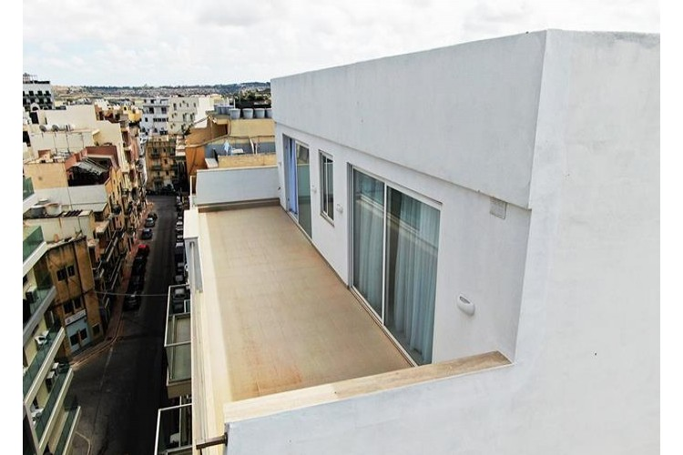 3 Bedroom Penthouse For Sale