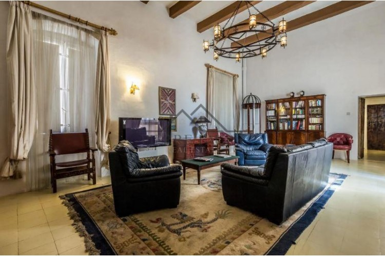 3 Bedroom Palazzo For Sale