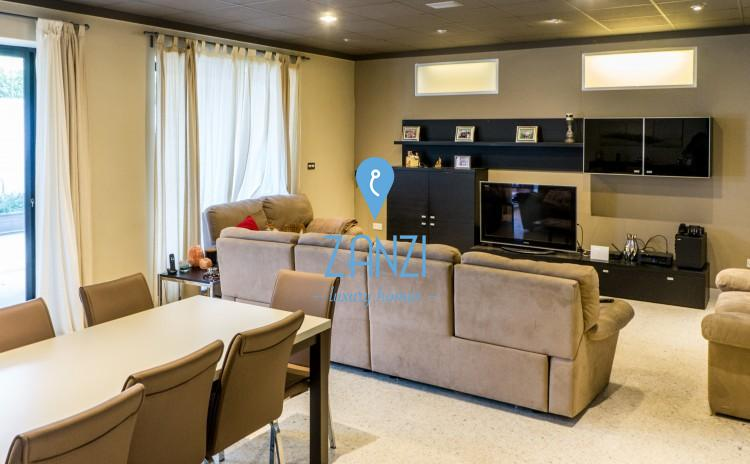 7 Bedroom Villa For Sale