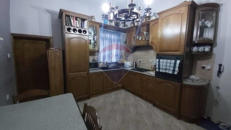 2 Bedroom Town House For Sale