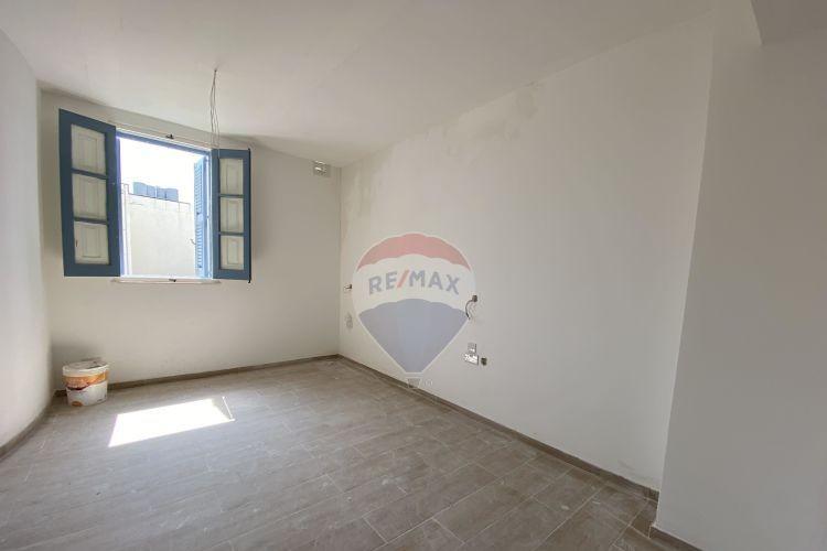 2 Bedroom Block of Apartments To Rent