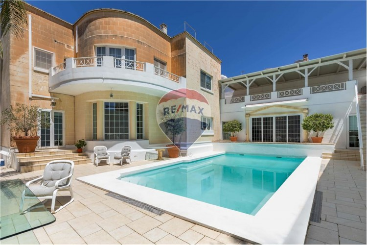 4 Bedroom Detached Villa To Rent