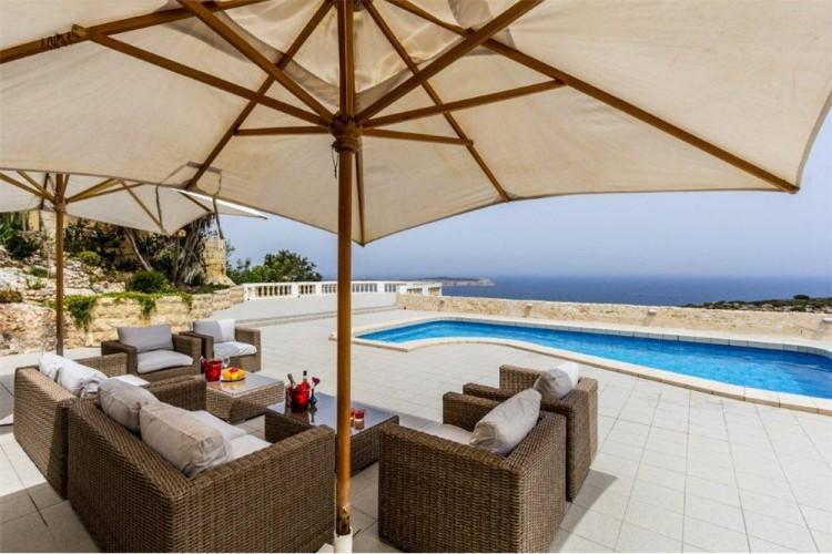 5 Bedroom Detached Villa To Rent