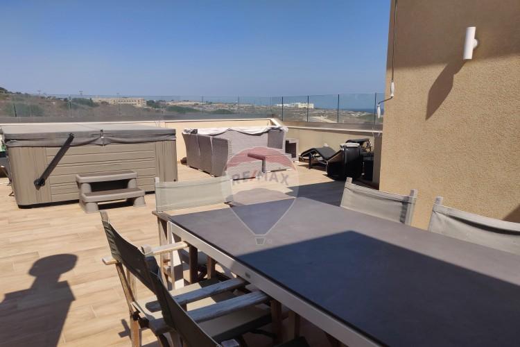 4 Bedroom Terraced Bungalow To Rent