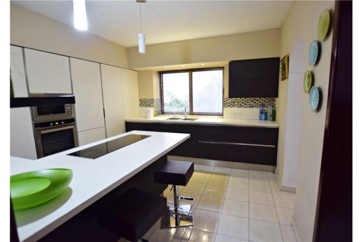 3 Bedroom Semi-Detached House To Rent