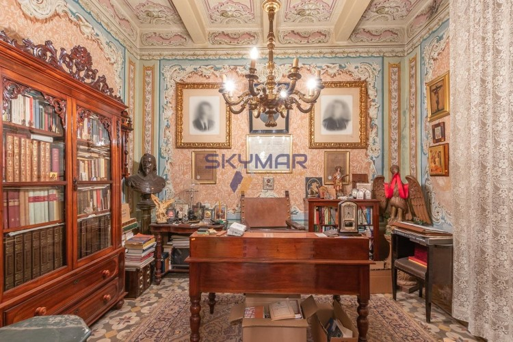 6 Bedroom Palazzo For Sale
