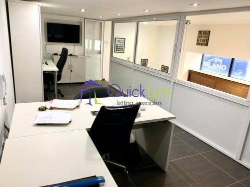 3 Bedroom Serviced Office To Rent