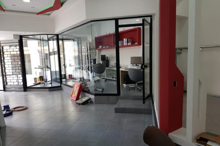 Showroom To Rent