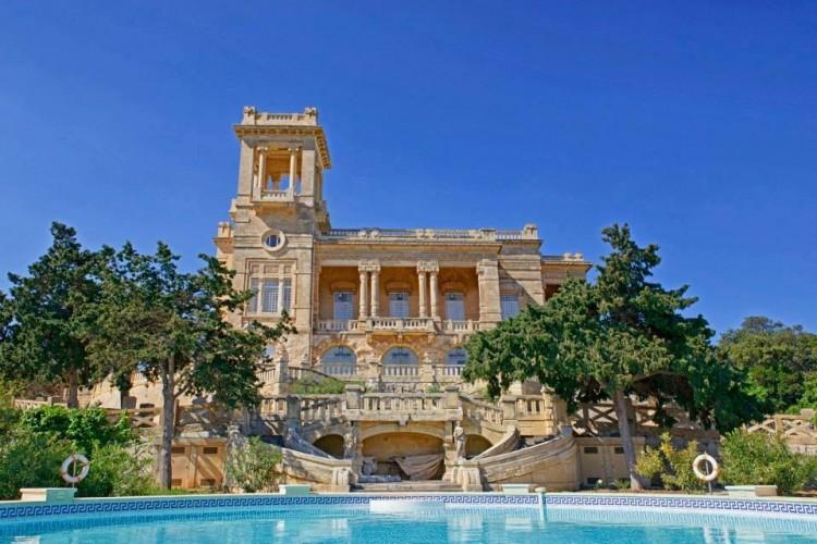 6 Bedroom Castle To Rent